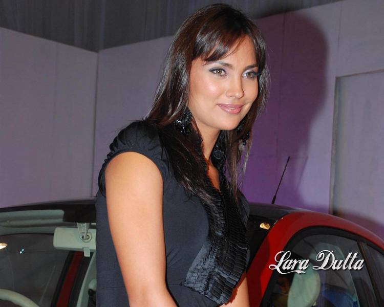 Gorgeous Beauty Lara Dutta Wallpaper