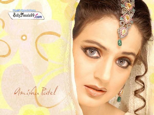 Amisha Patel Attractive And Hot Eyes Look Image