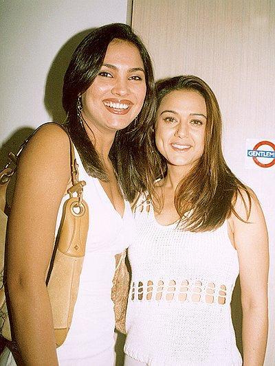 Lara Dutta Pose With Preity