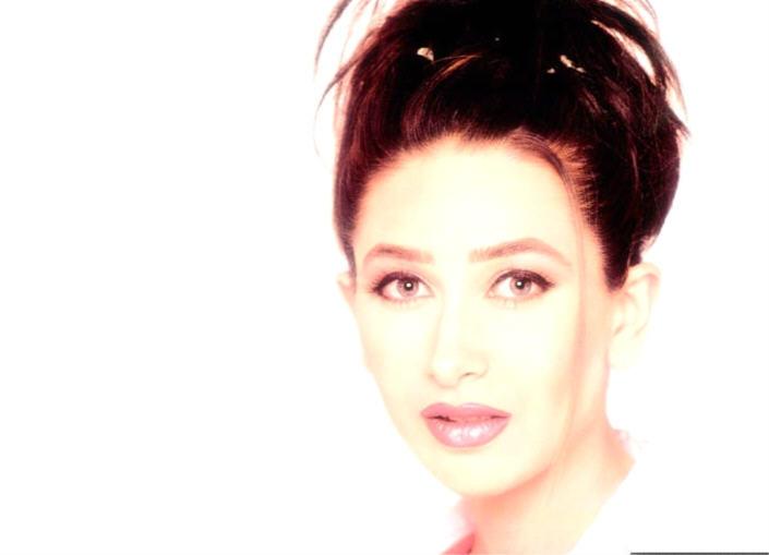 Karishma Kapoor Dazzling Still