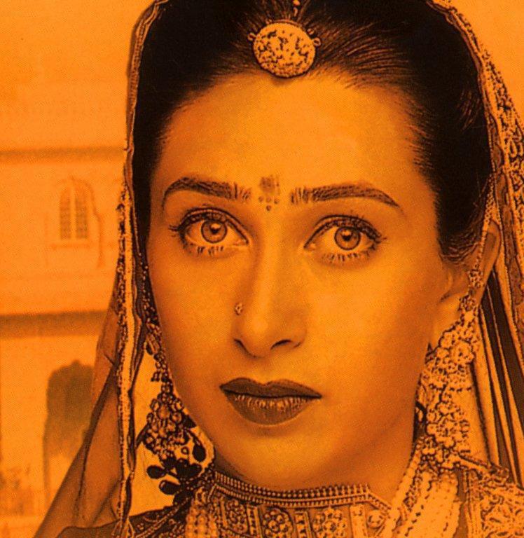 Karishma Kapoor Hot Beautiful Look Still