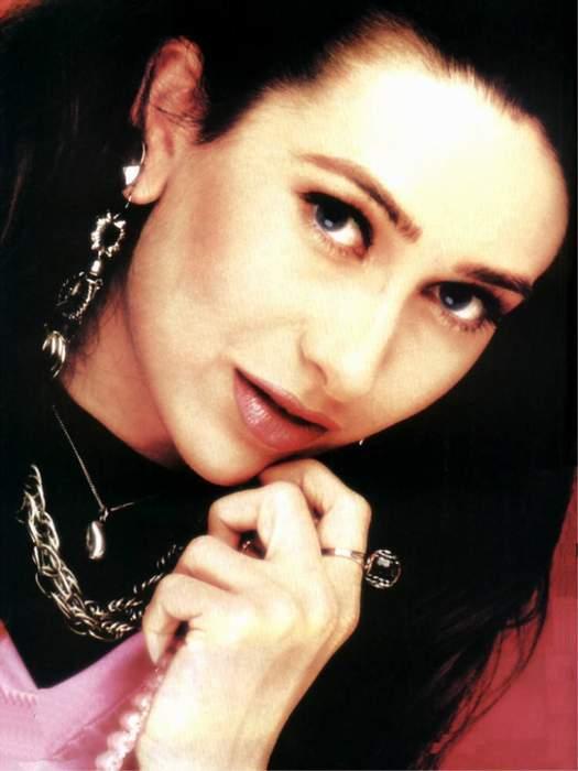 Karishma Kapoor Sweet Romancing Look Still
