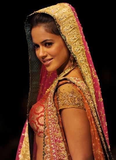 Sameera Reddy Bridal Look At KFW Ramp Show