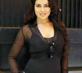 Sameera Reddy Dazzling Face Look Photo