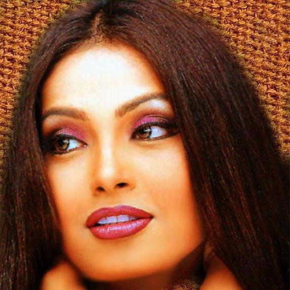Bipasha Basu Red Wet Lips Pic