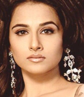 Vidya Balan Attractive Face Look Wallpaper