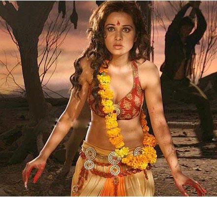 Priyanka Kothari In Agyaat Movie