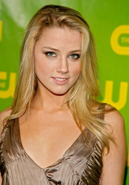 Amber Heard Glorious Face Look Nice Pics