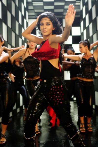 Amrita Rao Rock Dance Still