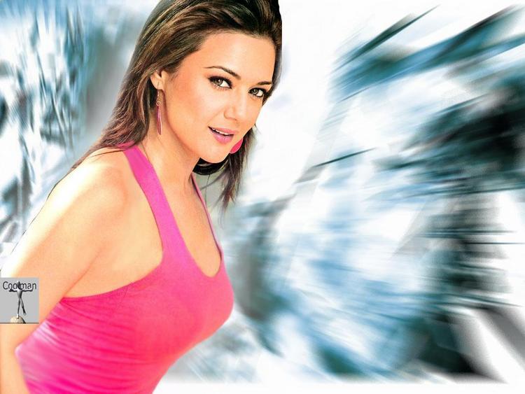 Preity Zinta Hot Look Wallpaper
