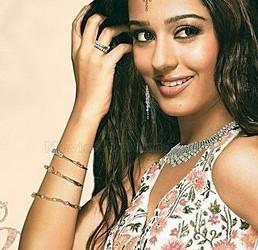 Amrita Rao Beautiful Look Wallpaper
