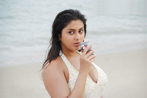 Hot Namitha Sizzling Sexy Pic On Beach