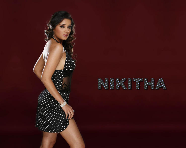 Nikitha Bold Look Wallpaper