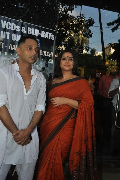 Vidya Balan Spotted at The DVD Launch Of Kahaani