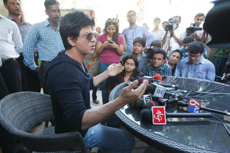 Bollywood Star Shahrukh Speaks at A Press Conference At His Residence