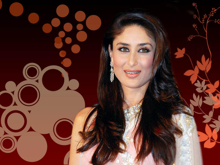 Kareena Kapoor Gorgeous Look In Saree