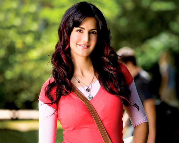 Katrina Kaif Cute Face Look Still