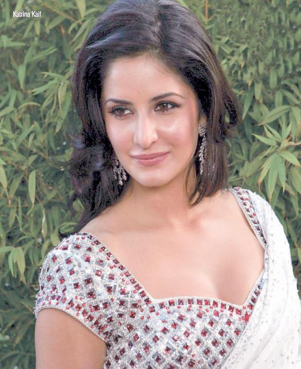 Katrina Kaif Shiny Face Look Still