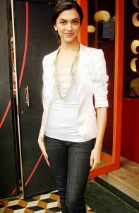 Deepika Beauty Stylist Photo With White Tops and Black Jeans