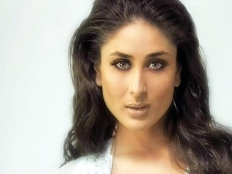 Kareena Kapoor Sexy Eyes Look Pic