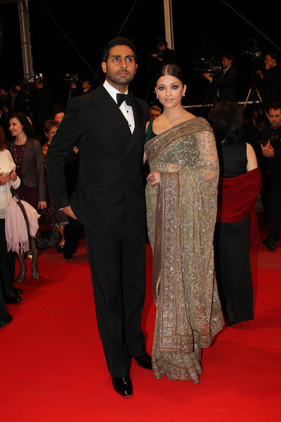 Aishwarya and Abhishek On Red Carpet at Cannes