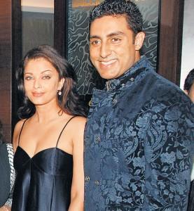 Aishwarya and Abhishek  Sweet Smile Gorgeous Pic