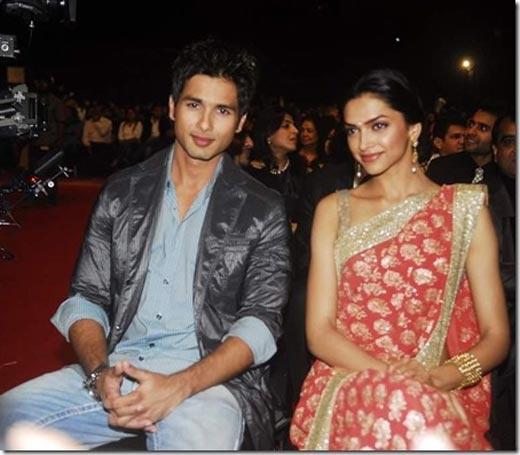 Shahid With Deepika Padukone Glamour Look In Apsara Awards 2009