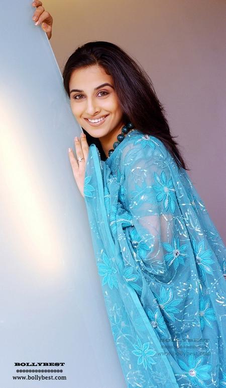 Vidya Balan Pretty In A Light Blue Saree