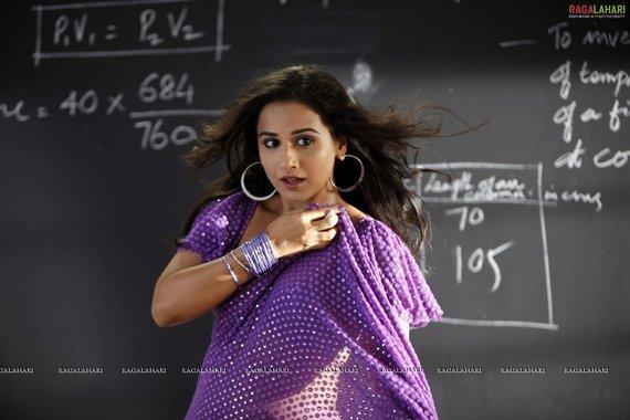 Vidya Balan Purple Saree Bold Pic In Dirty Picture