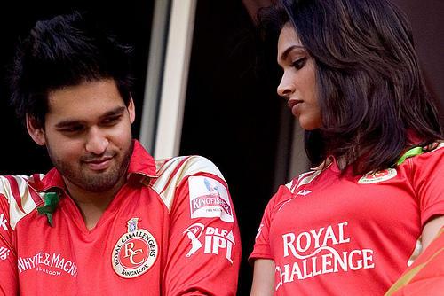 Deepika Padukone With Siddharth at IPL