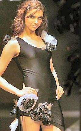 Deepika Padukone Stylist Dress Walk Still