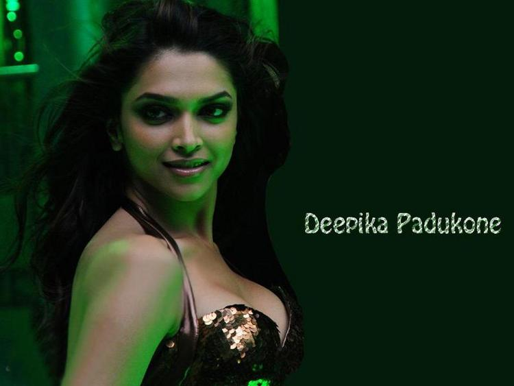 Hot Deepika Padukone Sexiest Picture