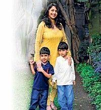 Madhuri Dixit Sweetest Pic With Kids