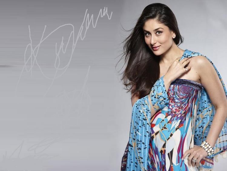 Kareena Kapoor Cute Sexy Still