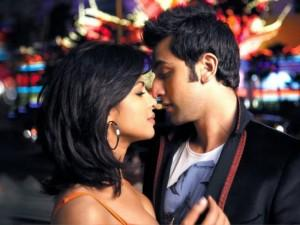 Priyanka Chopra With Ranbir Romantic Pic In Anjaana Anjaani