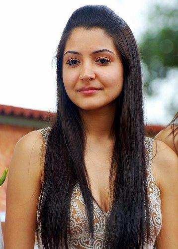 Anushka Sharma Nice Face Look Still