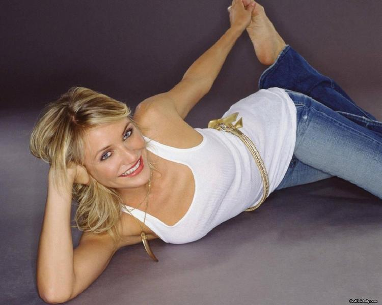 Cameron Diaz Sexy Still In White Tops and Jeans
