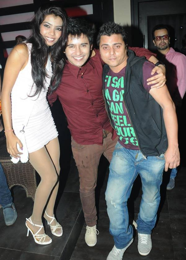 Aditya With Manish And A Friend Enjoying Themselves