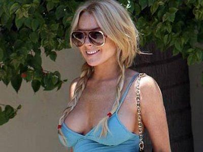 Lindsay Lohan Sexy Boob Show Still