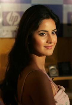 Katrina Kaif Sweet and Cool Look Pic