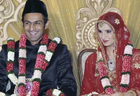 Sania Mirza and Shoaib Malik Smiling Pic