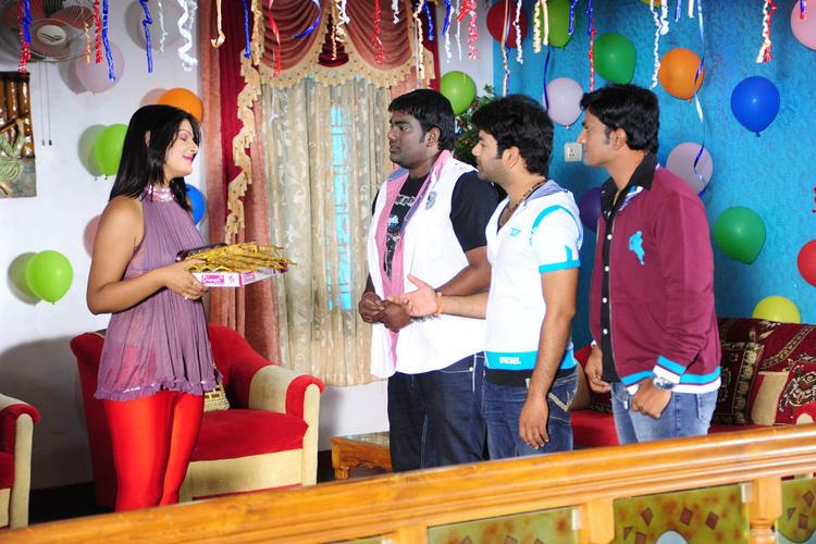 Jiya With Shubash,Ishak And RamaKrishna Awesome Photo From Movie Love Idiots