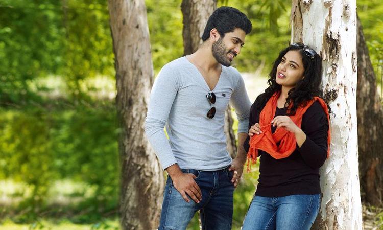 Sharwanand And Nithya Romance Photo Still From Movie Yemito Ee Maya