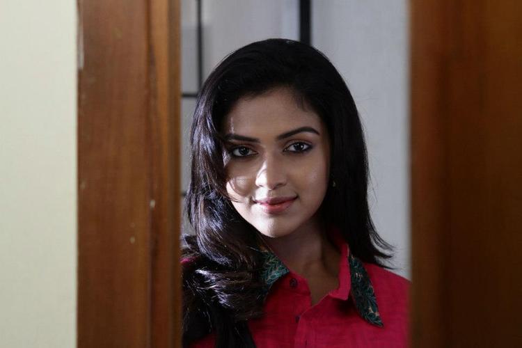 Amala Gorgeous Photo Still From Movie Jenda Pai Kapiraju