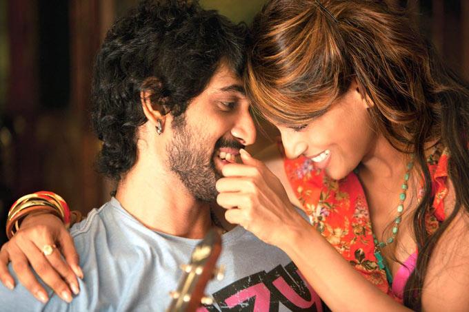 Rana And Bipasha Romance Scene Still From Movie Dum Maaro Dum