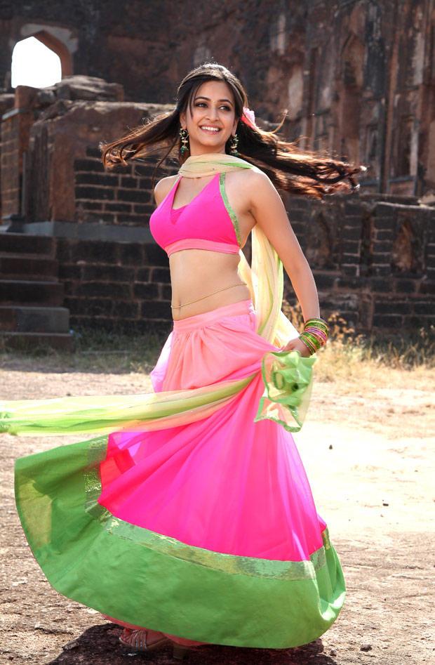 Kriti Kharbanda Sexy Look Still From Ongole Githa Movie
