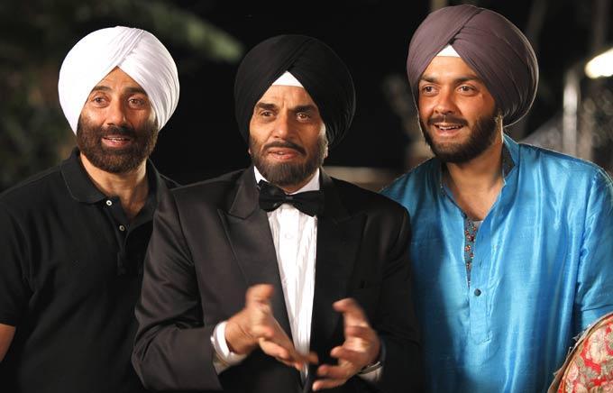 Sunny And Bobby With Father Dharmendra In Yamla Pagla Dewana