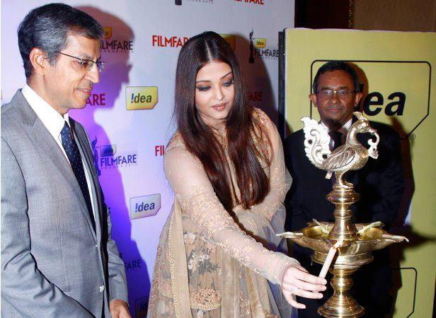 Aishwarya Lighting The Candle At 58th Idea Filmfare Awards Press Conference