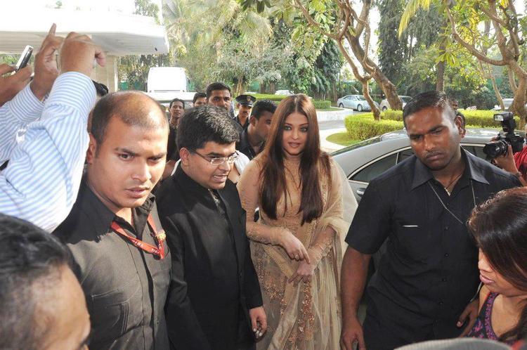 Aishwarya Walks On At 58th Idea Filmfare Awards Press Conference