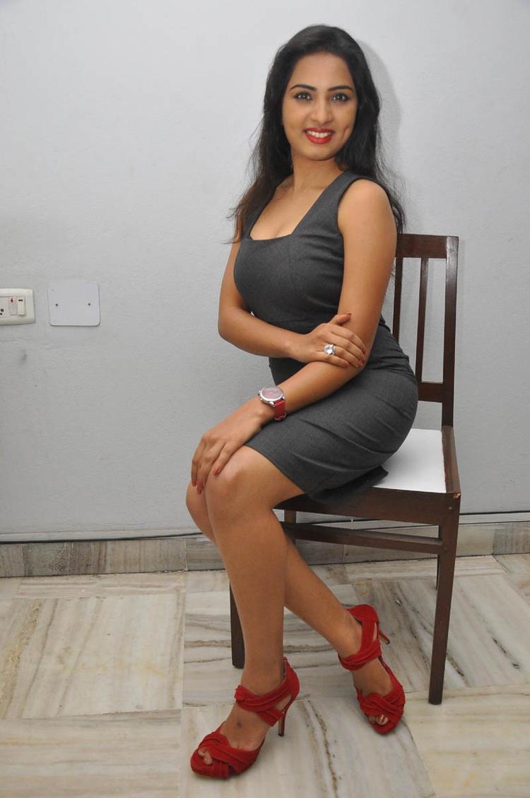 Sruthi Bold Look Pose Photo Still